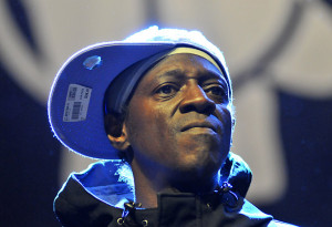 Flavor Flav's Fiancee Says He Tried to Kill Her & Her Son, Cites ...