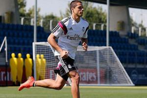 ... Entrenamiento De Chicharito Como Jugador Del Real Madrid picture