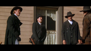 Tom-in-Wyatt-Earp-tom-sizemore-24512708-853-480.jpg