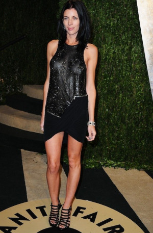 Liberty Ross goes braless for Vanity Fair post-Oscar party