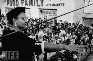 Mamie Bradley, Till's Mother, Addresses Anti-Lynching CrowdMamie ...