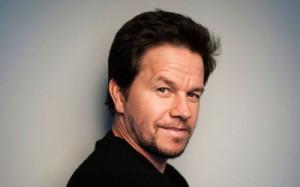 Mark-Wahlberg-photo-during-eye-hair-uplifting-400x250.jpg
