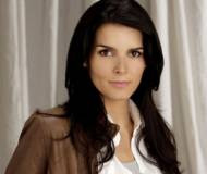 Angie Harmon Biography Net Worth Quotes Wiki Assets Cars Homes