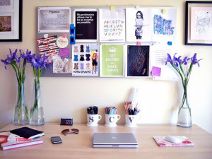 How to Keep your Desk Organized at Home & at the Office |