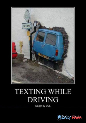 Texting_While_Driving_funny_picture