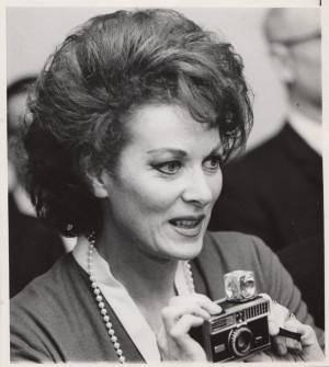 Thread: Maureen O' Hara- Rare Photo's