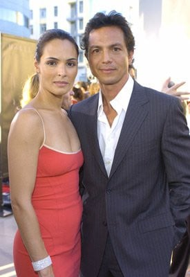 Talisa Soto and Benjamin Bratt at event of Catwoman (2004)