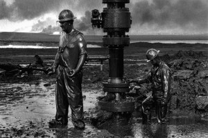 Canadian Firemen sealing a blown oil well in Kuwait during the Gulf ...