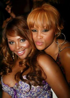 Rappers Lil Kim and Eve. Beast! #RealFemalMCs