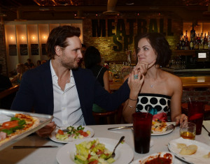 Peter Facinelli & Jaimie dine at Meatball Spot at Town Square