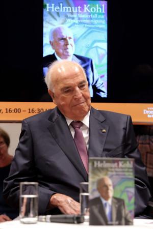 Helmut Kohl Former German Chancellor Helmut Kohl attends the ...