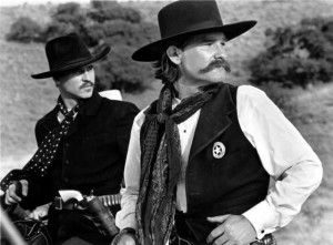 Still of Val Kilmer and Kurt Russell in Tombstone (1993)