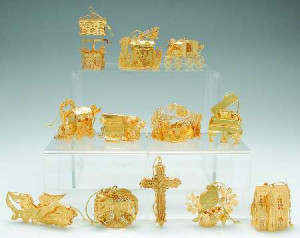 2003 Gold Christmas Ornament Collection