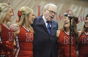 Must be nice being a billionaire... Warren Buffett shows he's winning ...