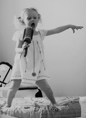 little girl singing with a hairbrushMusic, Little Girls, Go Girls ...