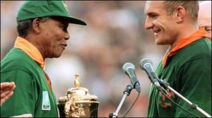 Nelson Mandela congratulates South African captain Francois Pienaar ...