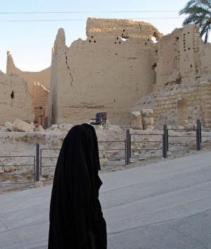 Saudi woman walks in the town of al-Diriyah, north of Riyadh, 06 ...