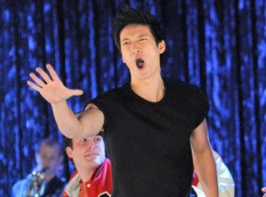 "Harry Shum Jr. en ""Glee"" © Brad Falchuk Teley-Vision, Ryan Murphy ..."