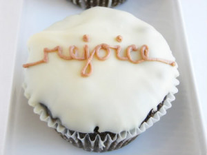... cupcakes with inspirational sayings! Get the recipe and some baking