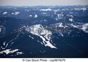Cascade mountain range csp5674070