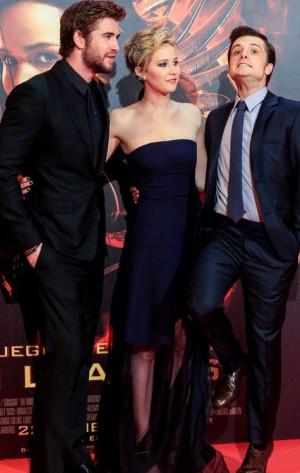 OMG I love them! Liam Hiemsworth, Jennifer Lawrence, Josh Hutcherson