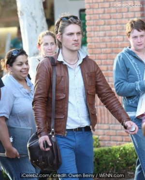 Taylor Hanson leaving the Apple Store in Hollywood carrying his iPhone