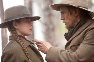 Hailee Steinfeld and Barry Pepper photo from True Grit - © Paramount ...