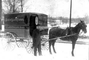 Horse-Carriage-1.jpg (12235 bytes)