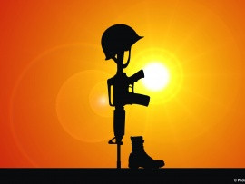 helmet_and_rifle_tribute_to_the_fallen_soldier-t2.jpg