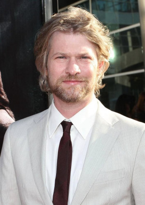 Todd Lowe Picture 5