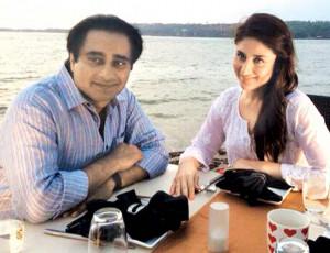 Bebo and Sanjeev Bhaskar banter by the sea