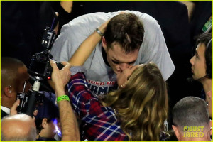 gisele bundchen tom brady celebrate patriots super bowl win 03