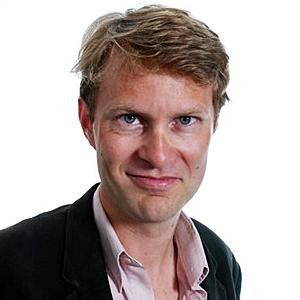 Luke Harding British reporter and WikiLeaks author expelled from