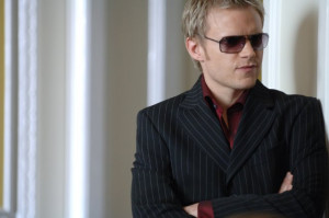 ... titles hustle names marc warren still of marc warren in hustle