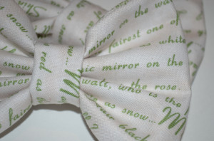 quotes from snow white this bow features quotes from the snow white ...