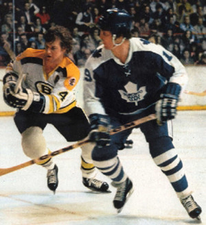... Photos > 1974 > 1974-Fighting Off Paul Henderson And The Maple Leafs