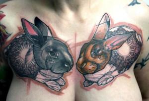 Fotos de tatuajes de conejos en partes de el cuerpo de mujeres 5