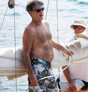 Aihe vapaa: Pierce Brosnanin vaimo on iso ja selluinen!