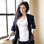 Laura Mennell Profile...