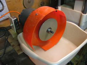 Low dollar lapidary machine