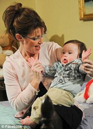 Palin hits Dems for 'hypocrisy' saying her health records weren't 'off ...