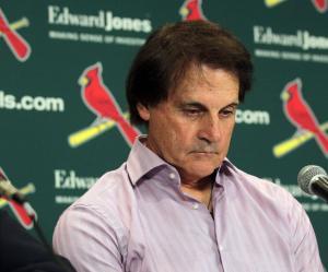 Cardinals manager Tony La Russa retires