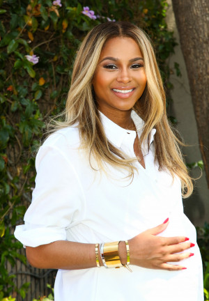 10 Best Celebrity Quotes About Being Pregnant