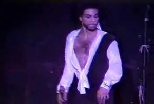 eGg1ZnpzMTI=_o_when-doves-cry---prince-live.jpg