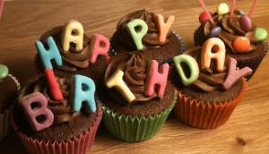 happy-birthday-cupcakes.jpg#happy%20birthday%201490x859