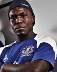 Rapper Roy Raving Over Everton