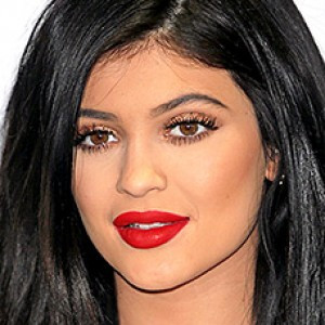 15 Most Embarrassing Celebrity Makeup Malfunctions