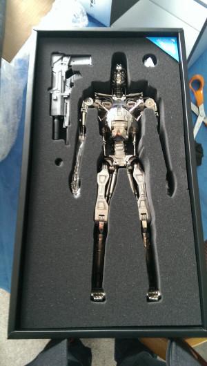 Thread: Hot Toys - QS002 - The Terminator: 1/4th scale Endoskeleton ...