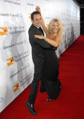 ... helio castroneves julianne hough helio castroneves and julianne hough