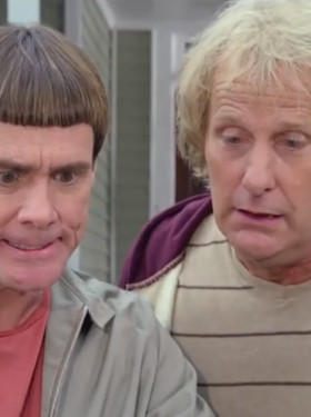 """Jim Carrey """"Desperate For Hit,"""" Begged Jeff Daniels To Do Dumb and ..."""